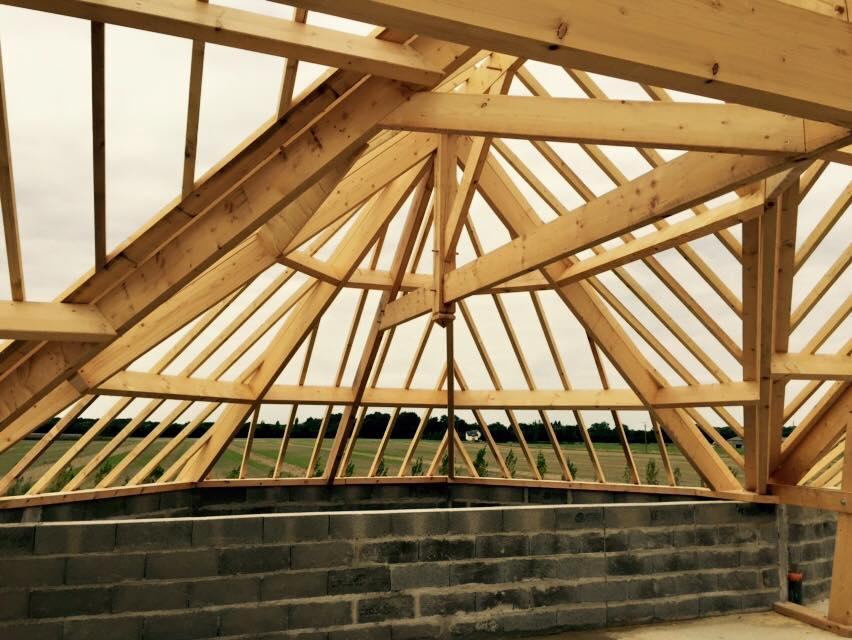 Charpente traditionnelle alliance bois construction for Cout d une charpente et toiture